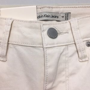 Calvin Klein Jeans - NWT Calvin Klein Vanilla Ultimate Skinny Jeans